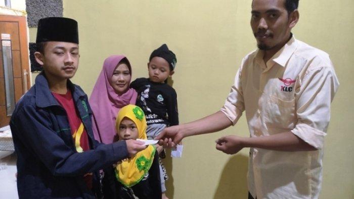 Meski Usaha Terpuruk, Pedagang Nasi Goreng di Banjarnegara Gotong Royong Bantu Anak Yatim dan Lansia