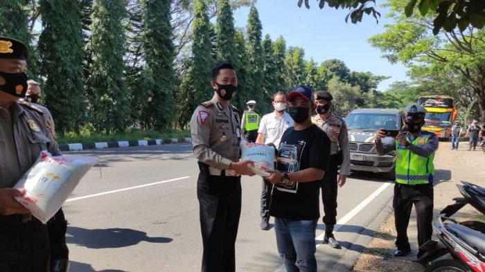 Hendak Datangi DPRD Jateng, Polisi Putar Balik Konvoi Pengusaha Bus di Salatiga