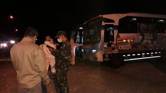 Muncul Lagi Klaster Musala, 33 Warga Sumbang Banyumas Positif Covid, Dijemput 2 Bus untuk Karantina