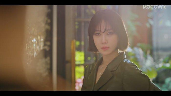 Lee Ji Ah Ungkap Perasaannya Mainkan 2 Karakter Berbeda di Drakor Penthouse