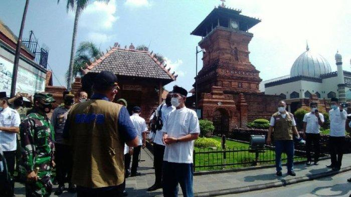 Ambil Sikap Tegas, Bupati Kudus HM Hartopo Tutup Dua Tempat Wisata Religi Hingga 14 Juni 2021