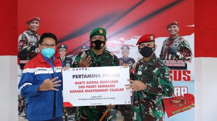 Pertamina RU Cilacap dan Kopassus Salurkan 500 Paket Sembako untuk Warga Terdampak Pandemi