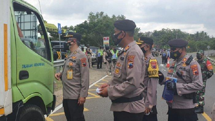 Kapolres Bersama Wakapolres Pimpin Penyekatan di Kecamatan Pracimantoro Wonogiri