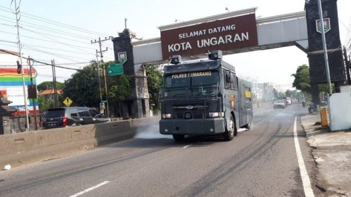Kasus Corona Meningkat, Pemkab Semarang Semprotkan Cairan Disinfektan Pakai Mobil Water Canon