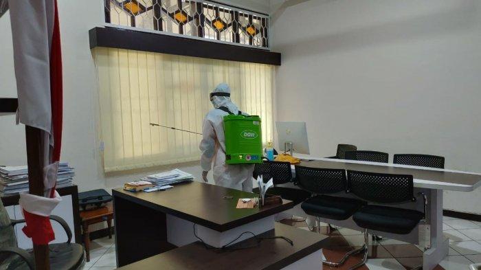 BPBD Purbalingga Tiap Hari Semprot Disinfektan untuk Tekan Penyebaran Covid-19