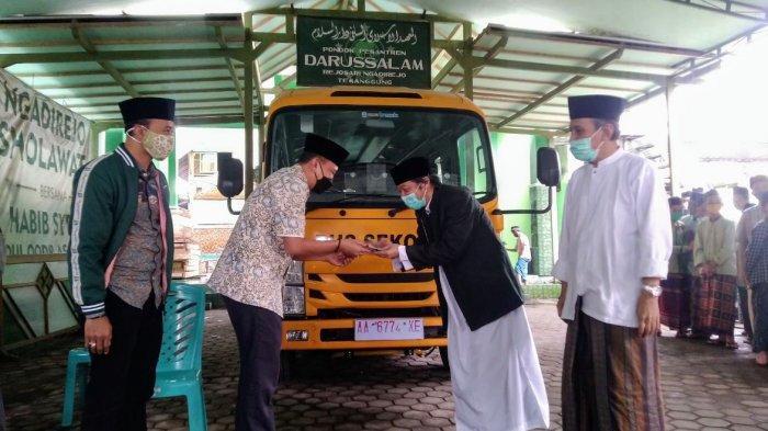 Muh Sodiq Berharap Bantuan Bus Sekolah Mempermudah Pendidikan di Ponpes