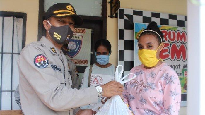 Pelajar Asal Papua di Grobogan Dapat Bantuan dari Polda Jateng