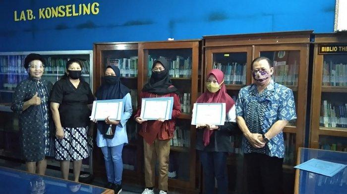 Nayla Siswi SMPN 2 Mojolaban Rebut Juara Pertama Lomba Tiktok Unisri Solo