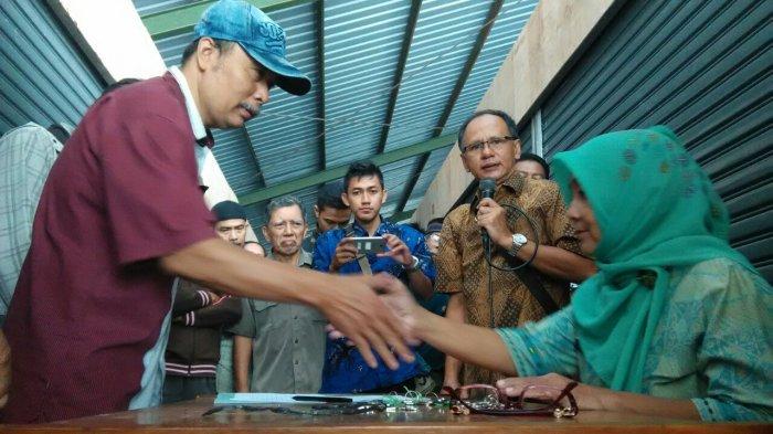 Dipindah ke Pasar Burung, PKL Kali Gelis Berharap Tetap Ramai Pembeli