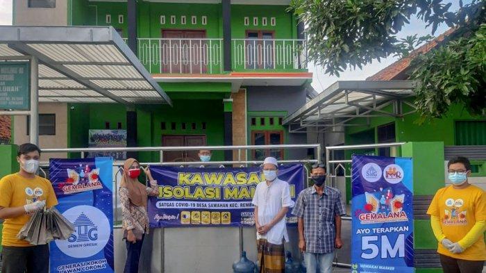 Penyerahan sembako dan menu makan malam melalui dapur umum Tagana Rembang untuk disalurkan kepada penerima manfaat yang menjalani isolasi mandiri di Hotel Puri Indah Rembang.