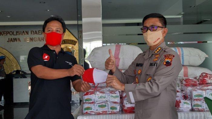 Gemas Beri 50 Karung Masker Gratis ke Polda Jateng