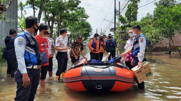 Ketersediaan Perahu Karet untuk Mobilisasi dan Evakuasi Korban Banjir Semarang Sangat Minim