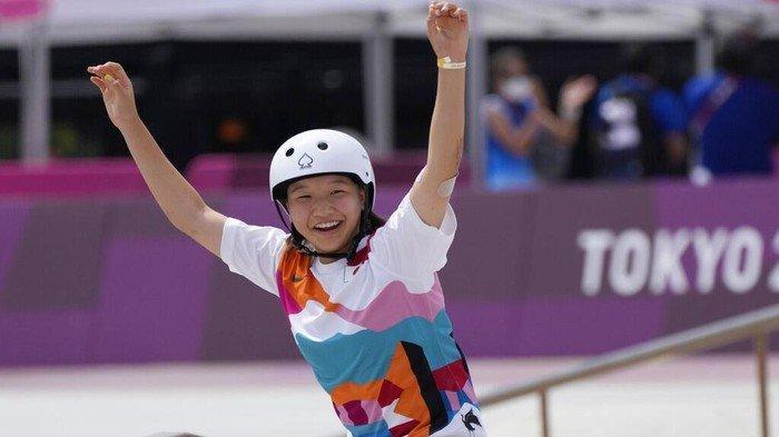 Bikin Sejarah, Remaja Putri 13 Tahun Ini Raih Medali Emas Olimpiade Lewat Skateboard Jalanan