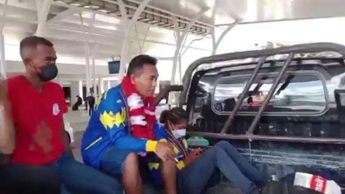 Viral Setelah Raih Emas PON Papua, Atlet Dijemput dengan Pikap di Bandara Kampung Halamannya