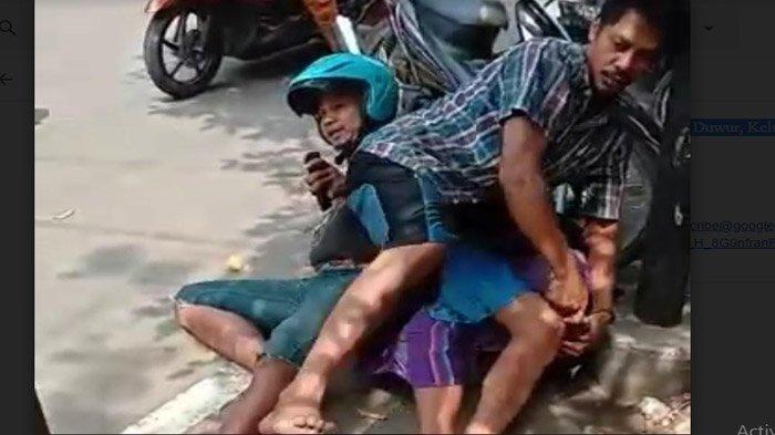 Perampok Kalung Emas Dibanting Warga ke Aspal, Dikunci Gaya Smackdown Sampai KO