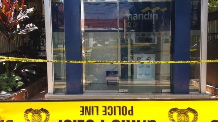 Perampok Atm Mandiri Malang 3 Kali Menembak Polisi Selidiki Sisa Proyektil Peluru Tribun Jateng