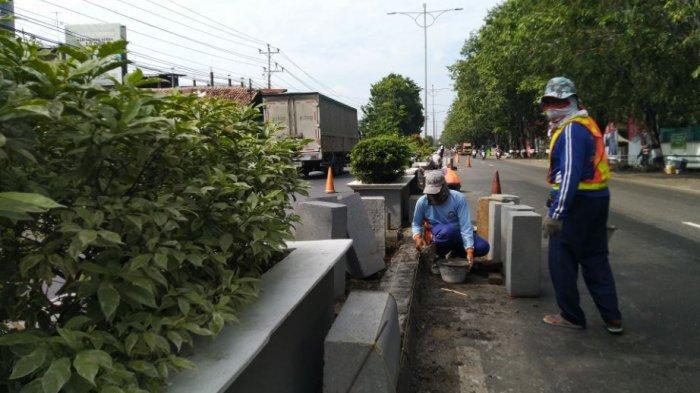 Perbaikan Jalan Rusak di Kendal Terancam Tersendat