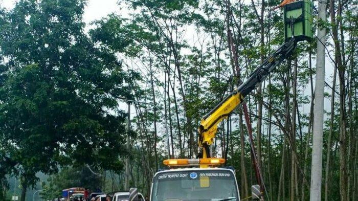 82 Persen Pengaduan Lampu Penerangan Jalan Umum di Wilayah Kabupaten Tegal Tertangani.