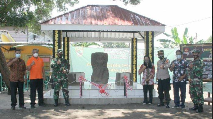 Peresmian situs Arca Durga Mahesa Suramardhini di kompleks Pasar Bunder Sragen oleh Dandim Sragen Letkol Infanteri Anggoro Heri Pratikno, Jumat (19/3/2021).