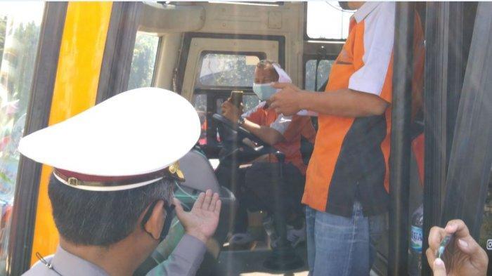 Parmin Ambil Penumpang di Agen Jalanan karena di Terminal Tak Ada Penumpang