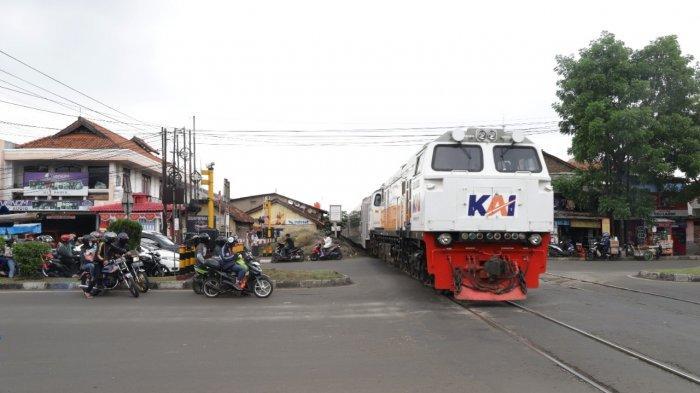 PT KAI Tunggu Kebijakan Operasional Kereta Lokal saat Larangan Mudik Diberlakukan