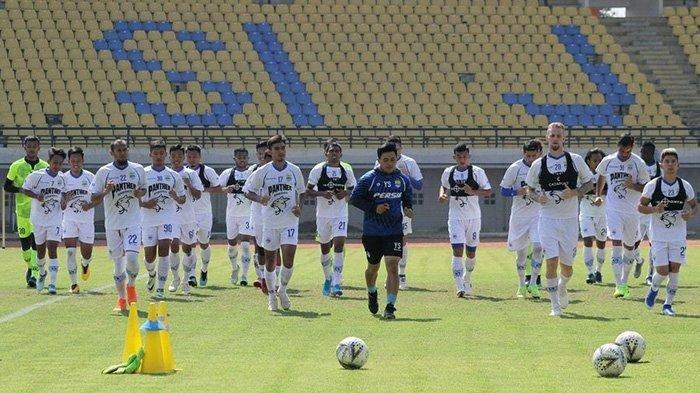 Dikritik Habis-habisan, Kondisi Stadion Bikin Prihatin Pelatih Persib Bandung