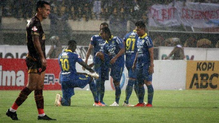 Persib Bandung Gagal Penuhi Target, Madura United Rebut Posisi Lima Besar Liga 1 2019