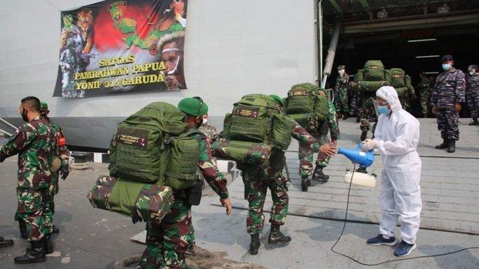 400 Personel Pasukan Setan Diberangkatkan Ke Papua dengan Kapal Perang KRI Banjarmasin 592