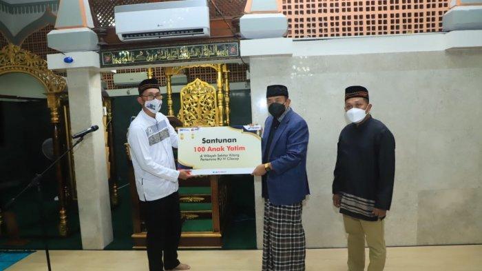 Gelar Safari Ramadhan bareng Bupati, Pertamina Cilacap Bagikan Mushaf Alquran