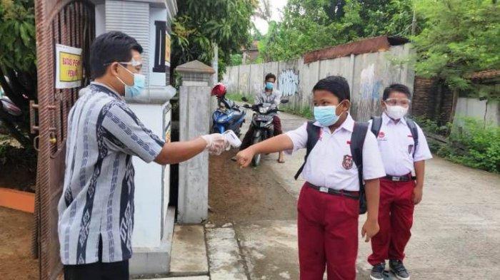 Bupati Kendal Dico Ingatkan Disdikbud Agar Dunia Pendidikan Tidak Jadi Klaster Baru Covid-19