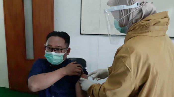 Dukung Pelaksanaan Vaksinasi Covid-19, 100 Perwakilan Tokoh NU Kabupaten Tegal Divaksin