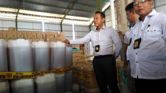 Puluhan Ribu Liter Pestisida Ilegal Disita Polda Jateng dari Gudang di Mranggen