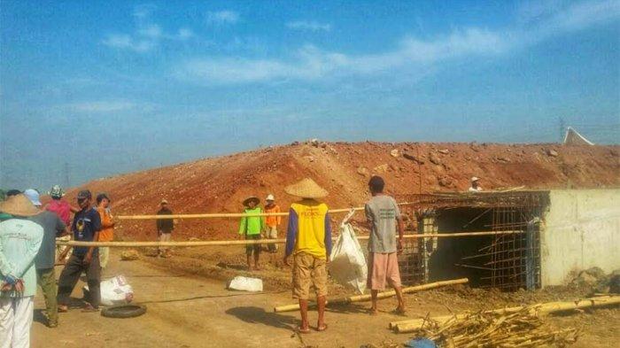 Petani Tejorejo dan Wungurejo Blokir Jalan Proyek Tol Batang-Semarang