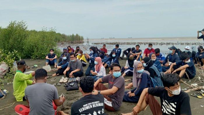 Cuaca Ekstrem di Semarang Rusak 60 Ribu Bibit Mangrove
