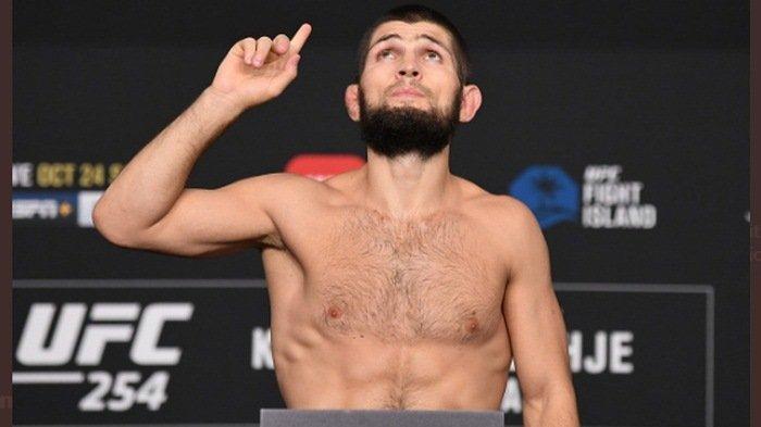 Ini AlasanKhabib Nurmagomedov Pensiun dari UFC: Saya Tidak Mungkin BertarungTanpa Ayah