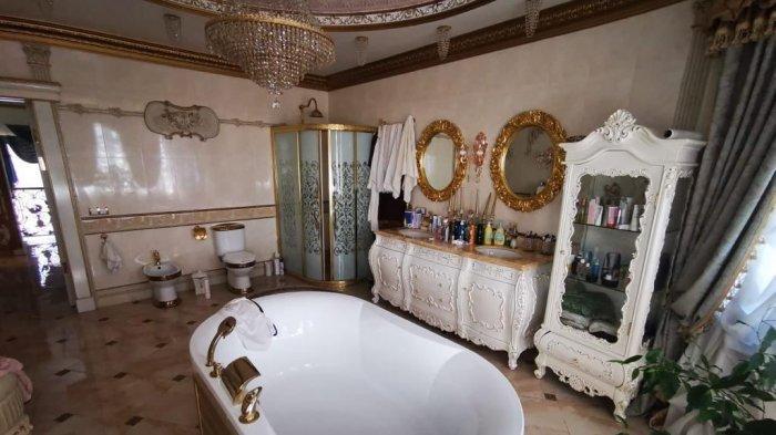 Foto-foto Rumah Mewah Polisi yang Nyambi Jadi Mafia Tersebar, Toiletnya Dilapisi Emas