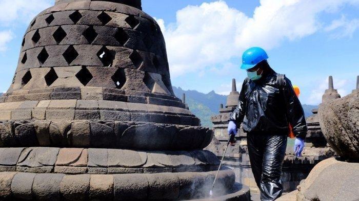 Gubernur Jawa Tengah Ganjar Pranowo Izinkan Borobudur Buka Lagi