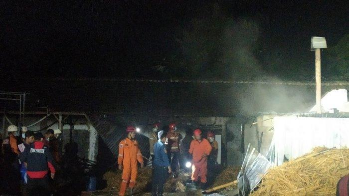 BREAKING NEWS: Kebakaran Pabrik Tusuk Sate di Karanganyar