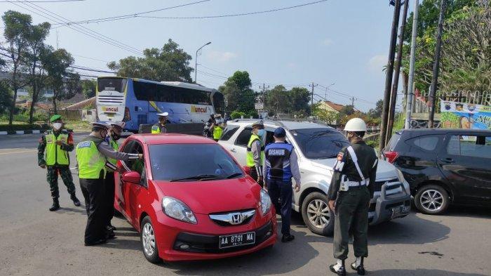 Tak Kantongi Surat Bebas Covid-19, Travel dari Pacitan Masuk Semarang Diputar Balik di Kaligawe