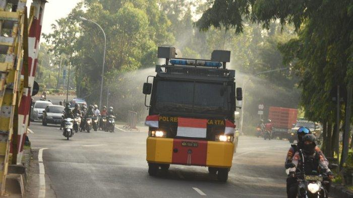 Jelang Pemberlakuan PPKM Darurat di Solo, Fasilitas Umum dan Jalan Disemprot Disinfektan