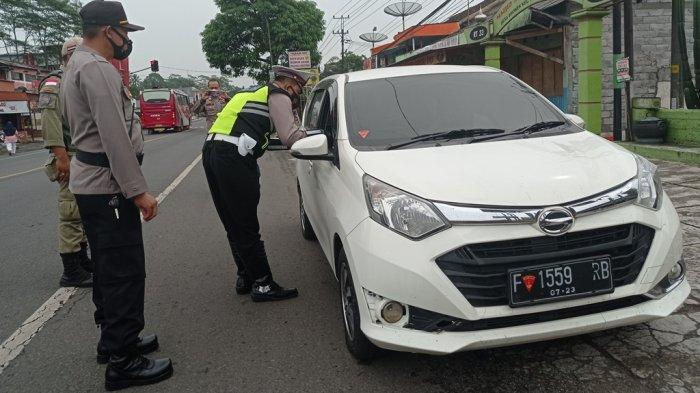 Berplat Nomor Jakarta, 5 Mobil Pemudik di Semarang Diminta Putar Balik