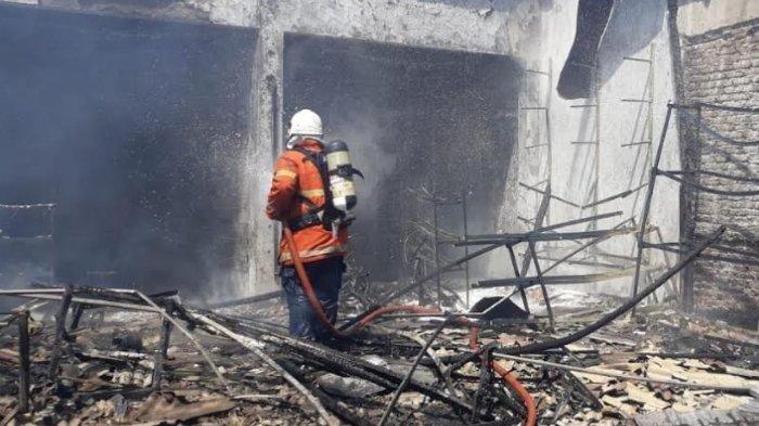 Toko Mainan Ludes Terbakar, Bocah 5 Tahun Anak Pemilik Toko Ditemukan Tewas di Kamar Mandi
