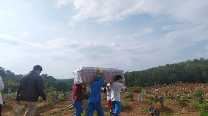 Tukang Gali Makam Pasien Corona Semarang Nyerah, Tak Sanggup Banyak Angkut Peti Jenazah