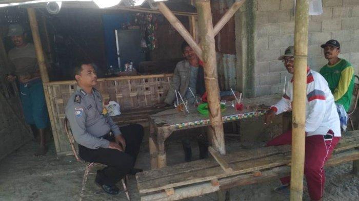 Sosialisasi Kamtibmas, AnggotaPolres Blora Nongkrong di Warung Kopi