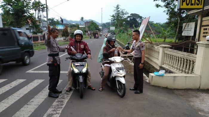 Begini Cara Polisi di Temanggung Sampaikan Pesan Kamseltibcar Lantas