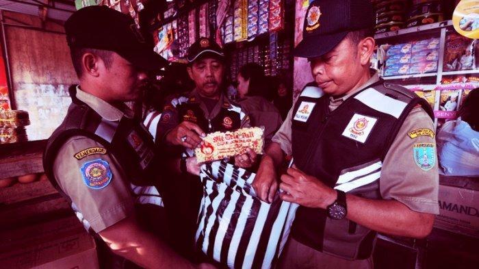 Razia di Pasar Blauran Salatiga, Satpol PP Sita Makanan Kedaluwarsa