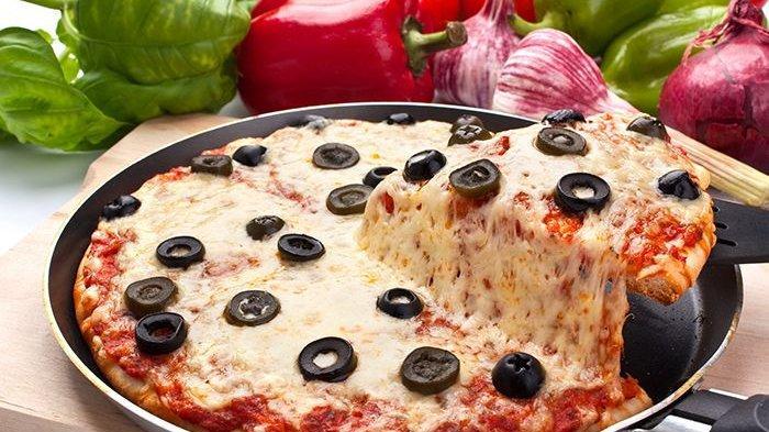 Coba Bikin Pizza buat Isi Liburan, Berikut Resep Pizza Tanpa Telur Panggang Teflon, Simple dan Empuk