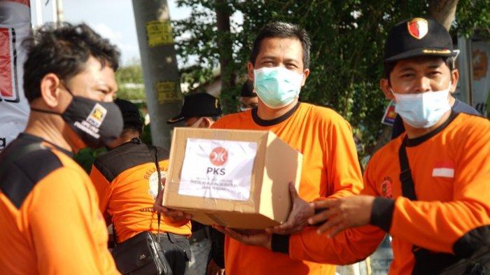 PKS Kota Semarang Terjunkan 443 Relawan dan Bagikan Puluhan Ribu Paket Bantuan untuk Korban Banjir