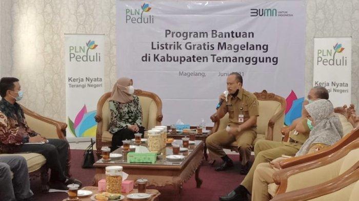 PLN Berikan Bantuan Pasang Baru Listrik Gratis bagi 121 Pelanggan di Kabupaten Temanggung