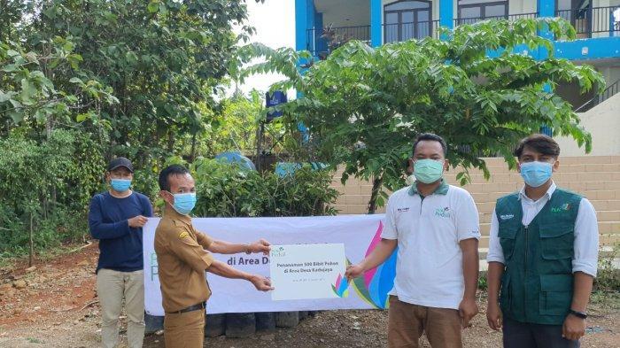 PLN Dukung Pelestarian Alam Melalui Bantuan TJSBL Bibit Pohon
